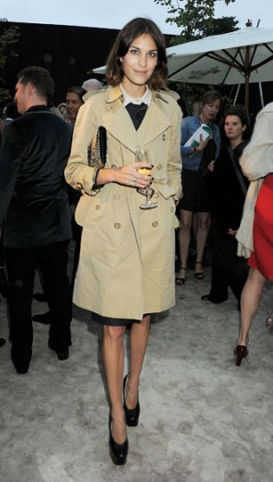 5c780472f5560934_alexa-chung-attending-the-burberry-serpentine-summer-party